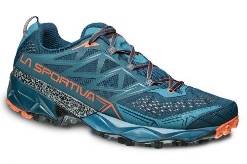Strukturierter und schützender Mountain Running Schuh, geeignet für endurance Läufe wie Ultra Trails und Ultra Marathons. Akyra ist besonders umhüllend, komfortabel und flexibel, konzipiert für lange Einsätze.